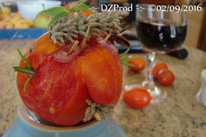 monsieur-tomate-va-finir-en-salade-dzprod-jardin-02-septembre-2016