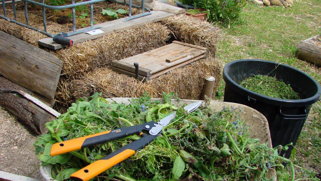 Créer votre mulch facilement grâce à la Cisaille à haie Fiskars HSX92