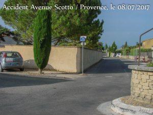 vélicule génant la visibilité _ Accident Scotto - Provence - Rochefort du Gard