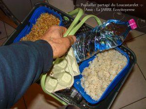 Kajo en partance pour le poulailler - nourriture spécial hiver - dzprod Jardin